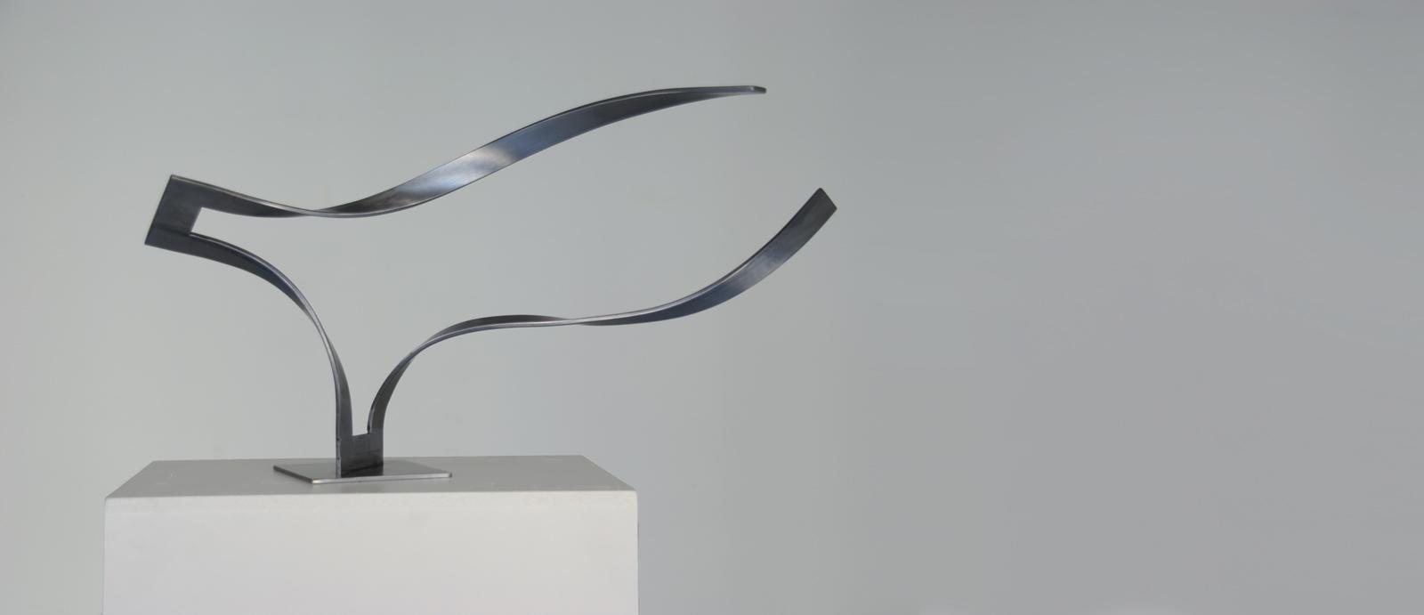 Escultura conceptual escultura abstracta p gina del - Esculturas de madera abstractas ...